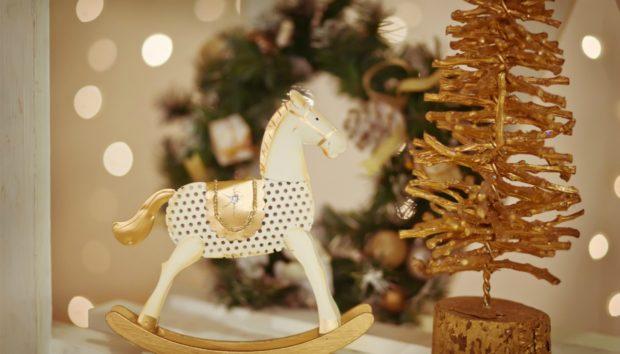 Χριστουγεννιάτικη Διακόσμηση για την Πόρτα και το Χολ με Έμπνευση από όλο τον Κόσμο
