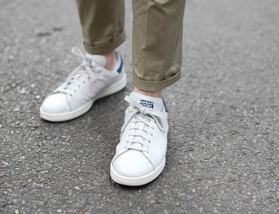Κάντε τα παπούτσια σας καινούργια με τη μαγική γόμα SANITAS.