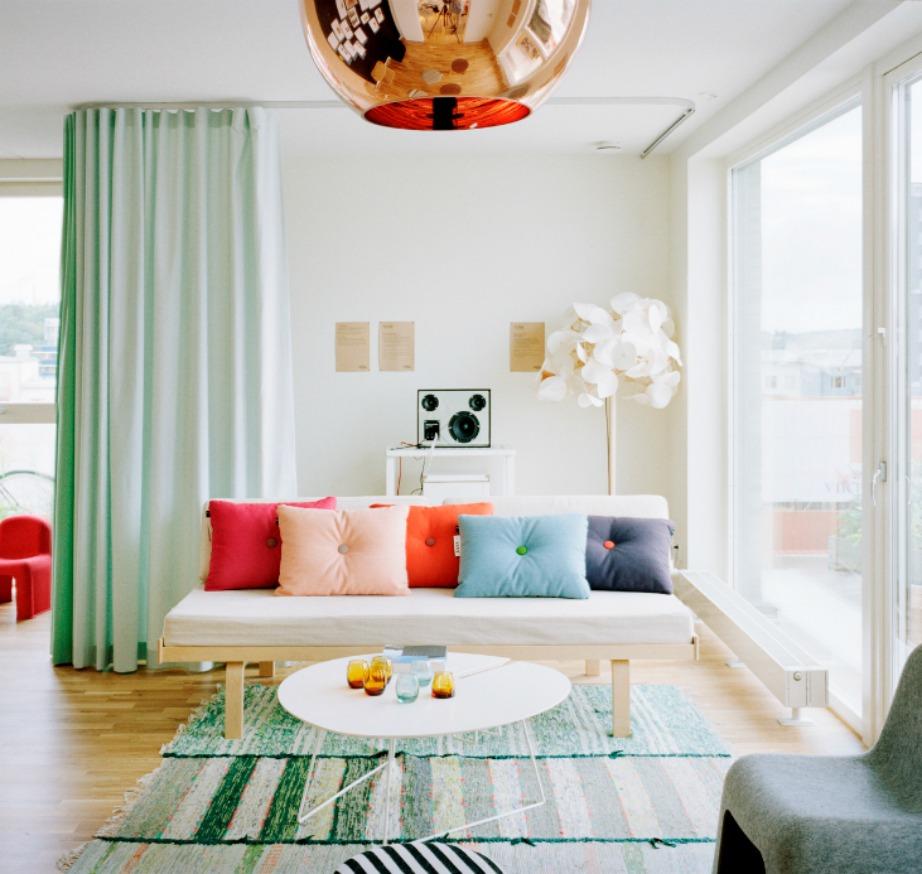 Οι κουρτίνες αποτελούν έναν ωραίο τρόπο για να χωρίσετε επιμέρους τους χώρους στο σπίτι σας.