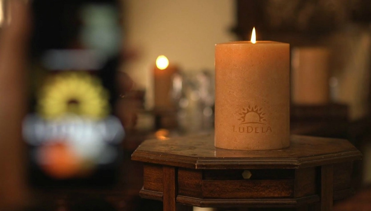 thehomeissue_candle
