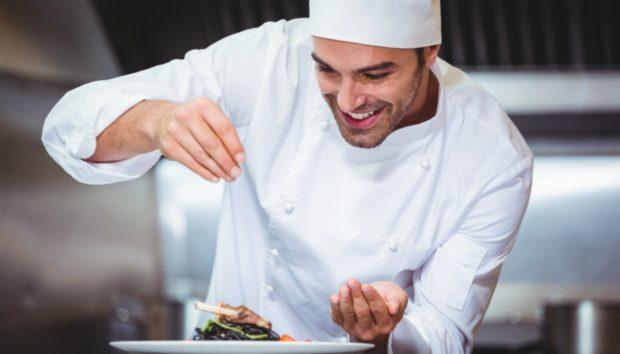 Οι Σεφ σας Συμβουλεύουν: Τι δεν Πρέπει να Παραγγέλνετε Ποτέ από τα Εστιατόρια