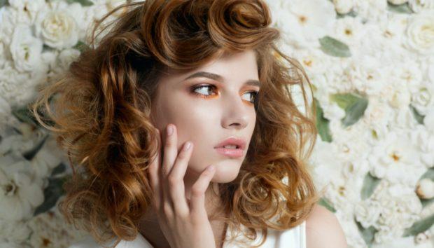 Αυτός Είναι ο Νέος Τρόπος για να Κάνετε Μπούκλες στα Μαλλιά σας Χωρίς Θερμότητα…