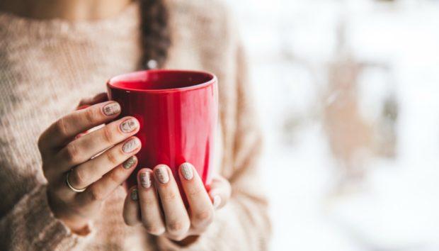 Αυτό Είναι ένα από τα πιο Δημοφιλή Χειμερινά Μανικιούρ της Χρονιάς