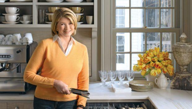 Η Νούμερο 1 Νοικοκυρά στον Κόσμο μας Δείχνει πώς να Οργανώσουμε την Κουζίνα μας