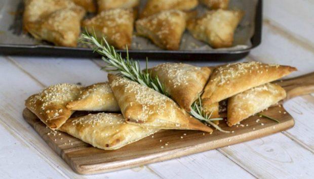 Συνταγή για Νόστιμα Κοτοπιτάκια από τον Άκη Πετρετζίκη