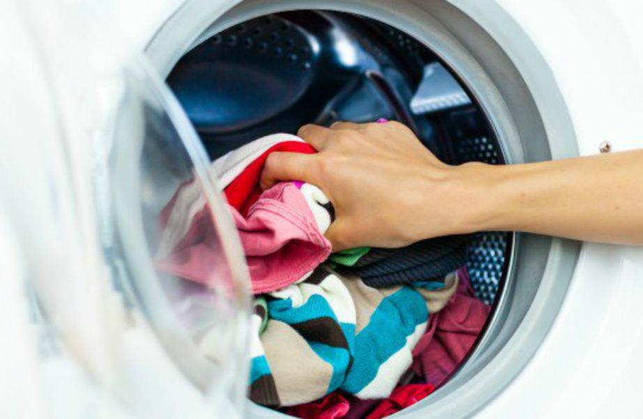 Με αυτό το καθαριστικό tip τα ρούχα σας θα είναι ακόμα πιο καθαρά.