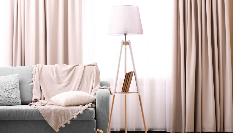 Μοντέρνα υφάσματα και τύποι ραφών για ράψετε μία εντυπωσιακή κουρτίνα για το σαλόνι