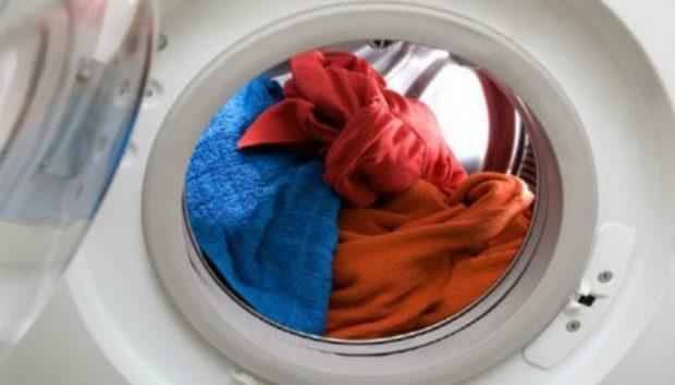 Δείτε τι Πρέπει να Κάνετε αν Ξεχάσατε τα Ρούχα στο Πλυντήριο