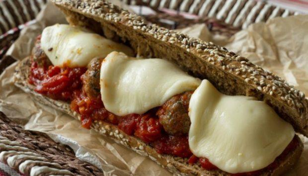 Φτιάξτε Μέσα σε Μερικά Λεπτά το πιο Γνωστό Ιταλικό Σάντουιτς