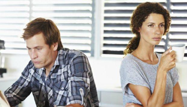 5 Σημάδια πως η Ερωτική σας Σχέση έχει Αρχίσει να Θυμίζει Απλή Συγκατοίκηση