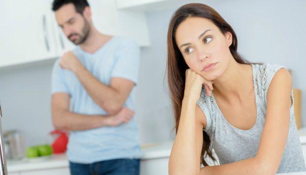 Αυτές Είναι οι 7 Αντρικές Συνήθειες που «Σπάνε» τα Νεύρα των Γυναικών