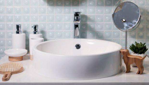 Αυτή Είναι η πιο Σημαντική Αλλαγή που Πρέπει να Κάνετε στο Καθάρισμα του Μπάνιου σας