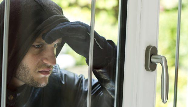 3 Έξυπνοι Τρόποι για να Προστατεύσετε το Σπίτι σας από τους Επίδοξους Ληστές