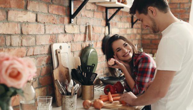 5 Μυστικά που ΠΡΕΠΕΙ να Έχετε από τον Σύντροφό σας