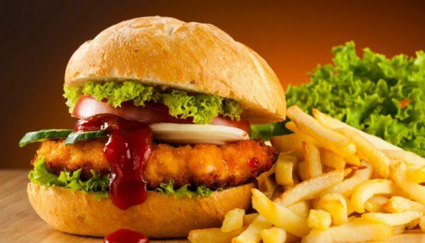 8 Πράγματα που οι Υπάλληλοι Fast Food Δεν θα σας Πουν Ποτέ