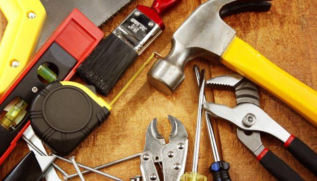 3+1 Πράγματα που Ίσως δεν Γνωρίζετε ότι Μπορείτε να Επισκευάσετε Μόνοι σας