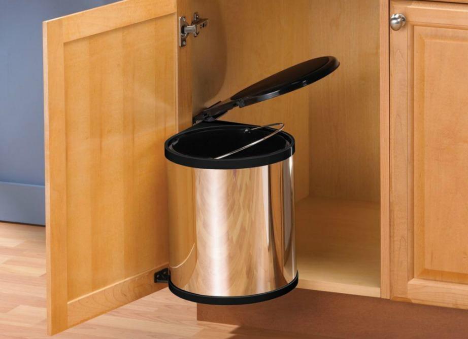 thehomeissue kados01 - 5 λόγοι για να μην έχετε τον κάδο σκουπιδιών μέσα στο ντουλάπι της κουζίνας σας!
