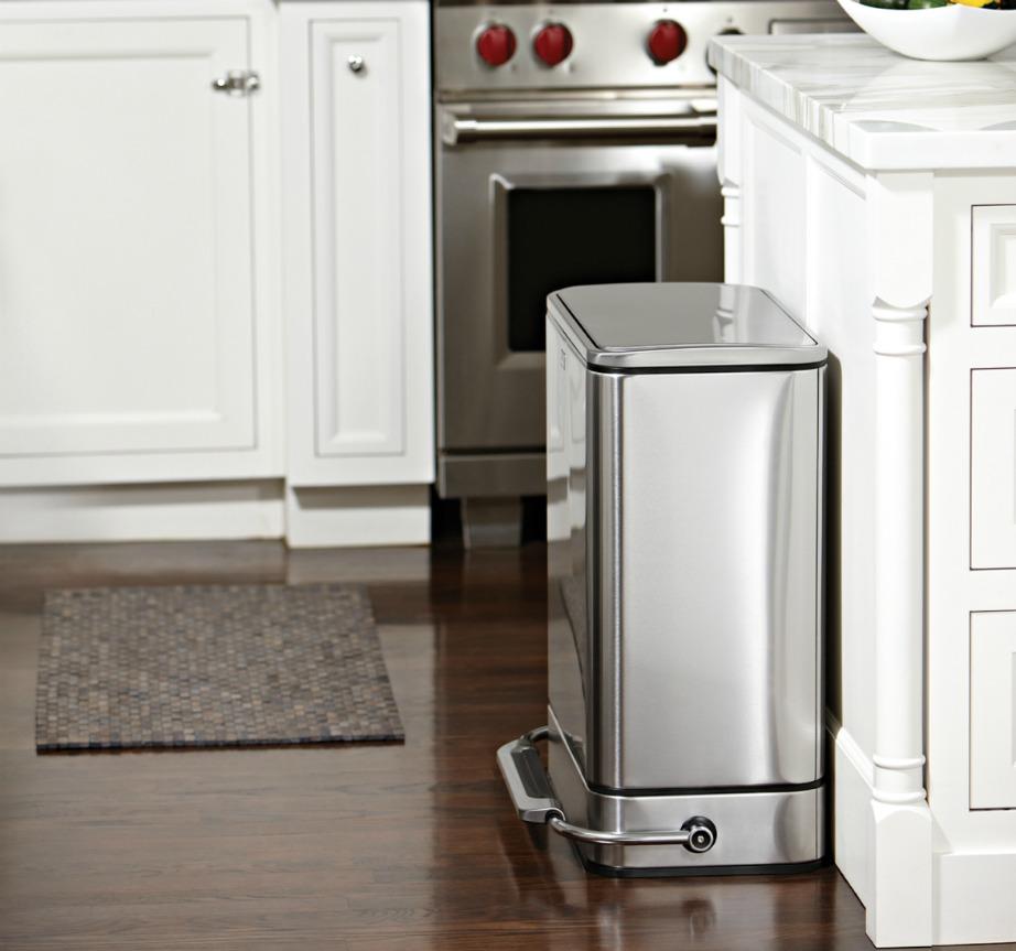 thehomeissue kados03 - 5 λόγοι για να μην έχετε τον κάδο σκουπιδιών μέσα στο ντουλάπι της κουζίνας σας!