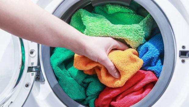 «Γιατί οι πετσέτες μου αμέσως μετά το πρώτο πλύσιμο έχασαν την αφρατοσύνη τους. Τι μπορώ να κάνω;»