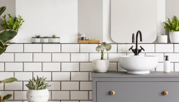 8 Έξυπνοι Τρόποι για να Κάνετε το Μπάνιο σας Ομορφότερο