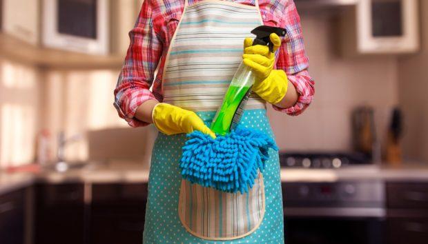 Δείτε πως θα Καθαρίσετε Ολόκληρη την Κουζίνα σας σε 30 Λεπτά
