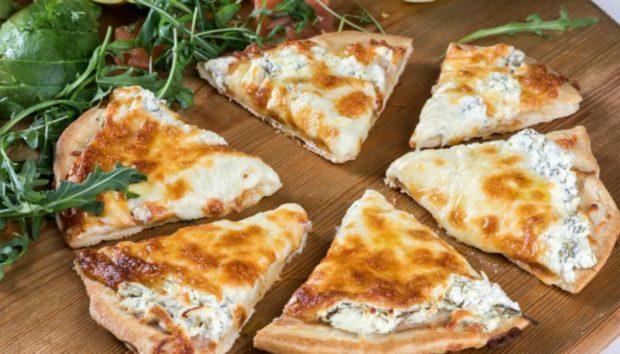 Να πώς θα Φτιάξετε την πιο Γρήγορη Πίτσα