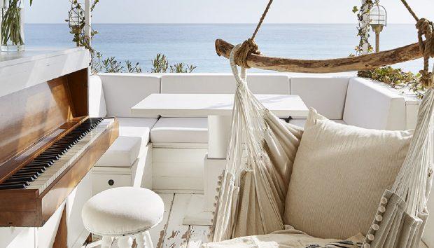 Δείτε Αυτό το Υπέροχο Μικρό Σπίτι που Βρίσκεται Πάνω στη Θάλασσα της Νότιας Γαλλίας
