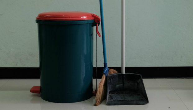 Απολυμάνετε τον Κάδο Σκουπιδιών σε Λίγα Λεπτά