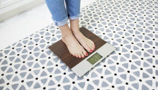 10 Τρόποι για να Χάσετε Βάρος Χωρίς Γυμναστική ή Δίαιτα!