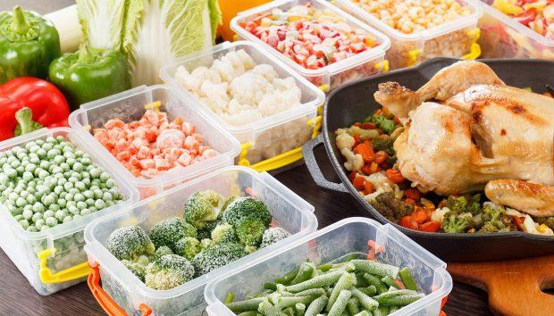 12 Λάθη που Κάνετε στο Καθάρισμα της Κουζίνας και Καταστρέφουν τη Γεύση του Φαγητού σας