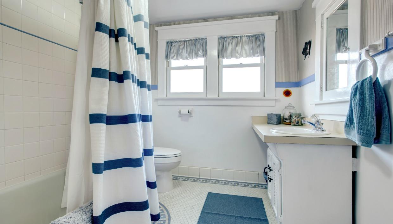 απολύμανση μπάνιου