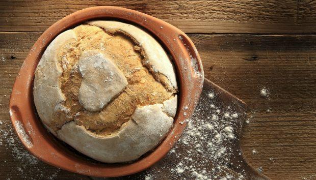 Φτιάξτε το Ψωμί που δεν Χρειάζεται Ζύμωμα: Δείτε πώς...