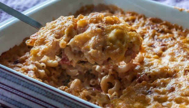 Mac & Cheese με Ντομάτα: Δείτε Πόσο Εύκολα Φτιάχνονται