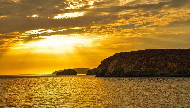 Αυτό Είναι το Ελληνικό Νησί που Σύμφωνα με την Guardian Πάνε οι Αθηναίοι που… Ξέρουν!
