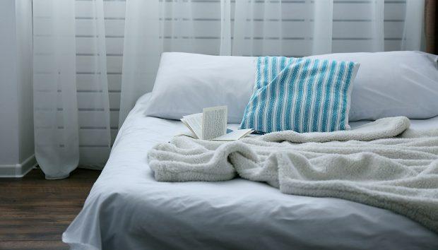 Μικροσκοπικό Υπνοδωμάτιο; Δώστε του Άνεση και Προσωπικότητα με Αυτά τα Tips
