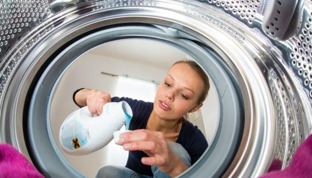 Να Γιατί θα Πρέπει να Ακολουθούμε τις Οδηγίες Χρήσης σε Κάθε Απορρυπαντικό στο Σπίτι