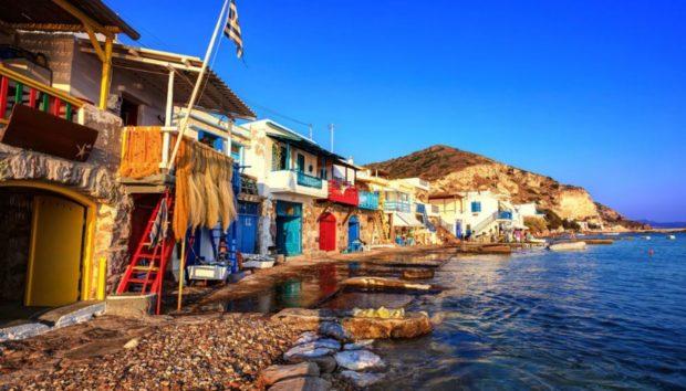 Αυτό Είναι το Πολύχρωμο Ψαροχώρι της Ελλάδας!