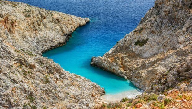 Μια Άγνωστη Παραλία που Μαγεύει Όποιον την Επισκέπτεται!