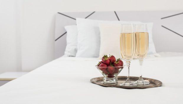 Έτσι θα Στρώσετε το Κρεβάτι σας για να Μοιάζει με Πολυτελούς Ξενοδοχείου