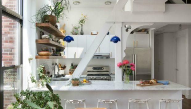 Μια Πολύ Μικρή Σούπερ Οργανωμένη Κουζίνα με Απίστευτο Στιλ!