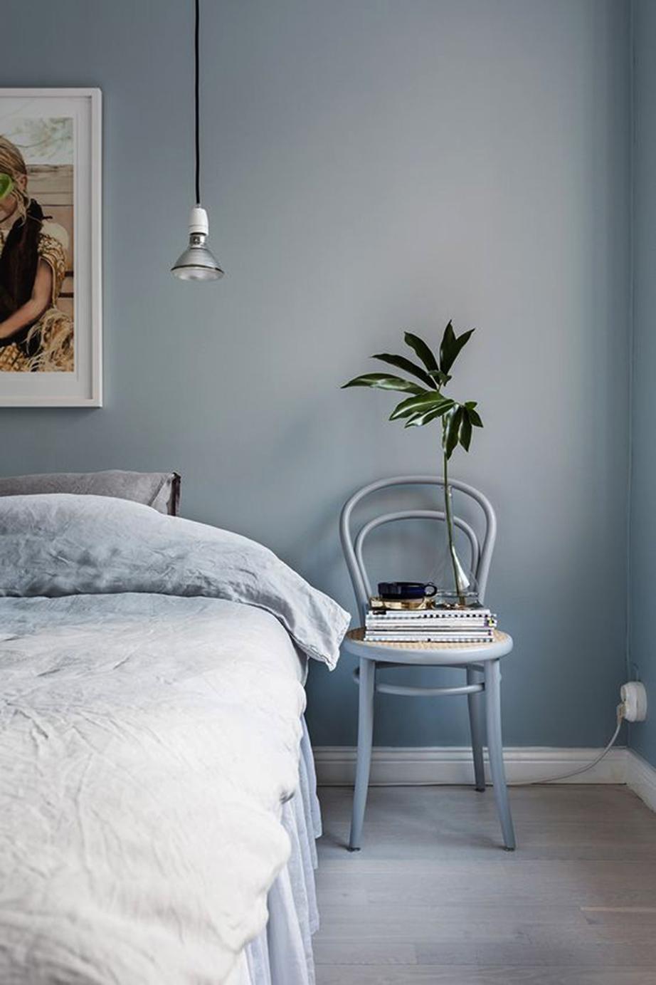Ανάλογα με το είδος και τις πηγές φωτισμού οι τοίχοι σας θα έχουν διαφορετικό χρώμα που άλλοτε προς το γκρι θα φέρνει και άλλοτε προς το μπλε.