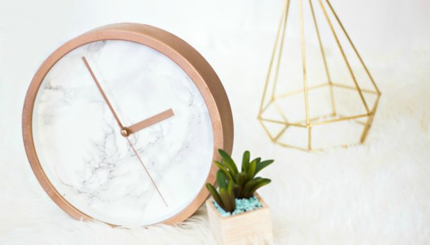 DIY: Ένα Υπέροχο Ρολόι από Μάρμαρο που θα σας Καθηλώσει