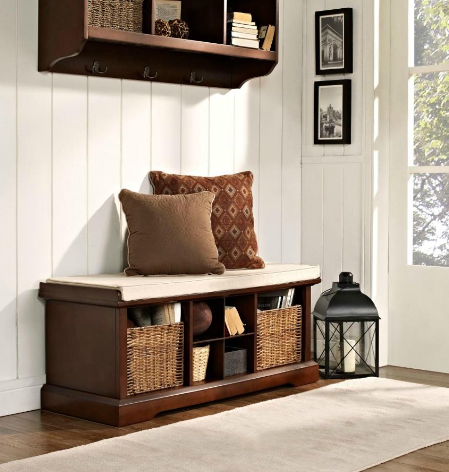 Ολοκληρώστε τη διακόσμηση του χώρου σας προσθέτοντας όμορφα διακοσμητικά αντικείμενα που θα του δώσουν ζωντάνια και στιλ.