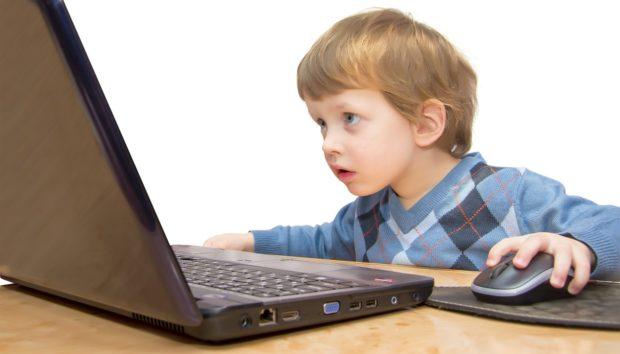 Έτσι θα Περιορίσετε τον Χρόνο που Περνάνε τα Παιδιά στον Υπολογιστή