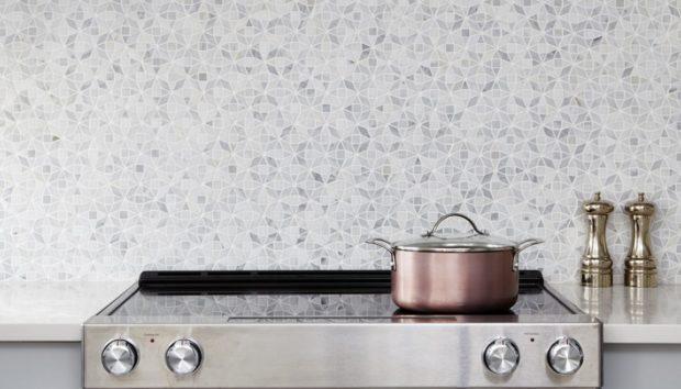 13 Μικροσκοπικές Κουζίνες που Αποδεικνύουν ότι δεν Χρειάζεστε Πολύ Χώρο για να Έχετε Στιλ