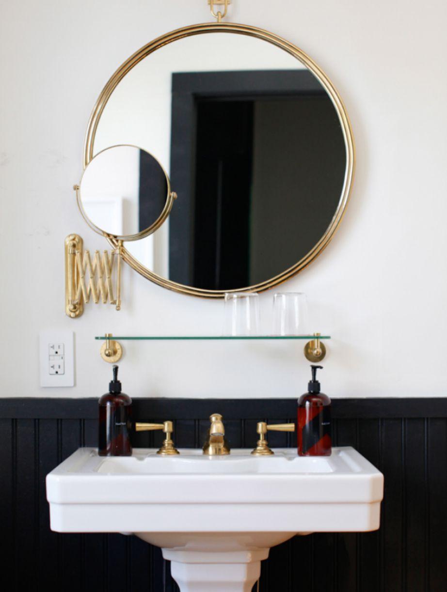 Όταν αποφασίσετε να ανανεώσετε το μπάνιο σας, σκεφτείτε σοβαρά να βάψετε το μισό μαύρο και το μισό λευκό.