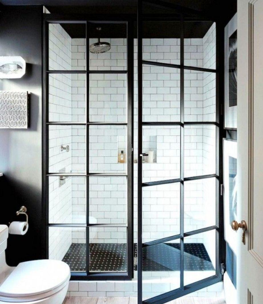 Αν το μπάνιο σας είναι ήδη λευκό και δεν έχετε σκοπό να το βάψετε σύντομα, τότε απλά προσθέστε ασπρόμαυρες λεπτομέρειες.