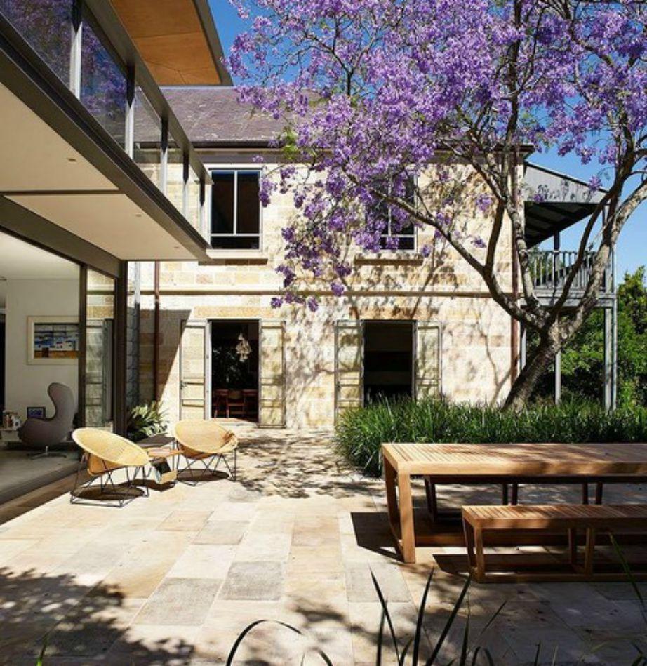 Η όμορφη βεράντα του σπιτιού!