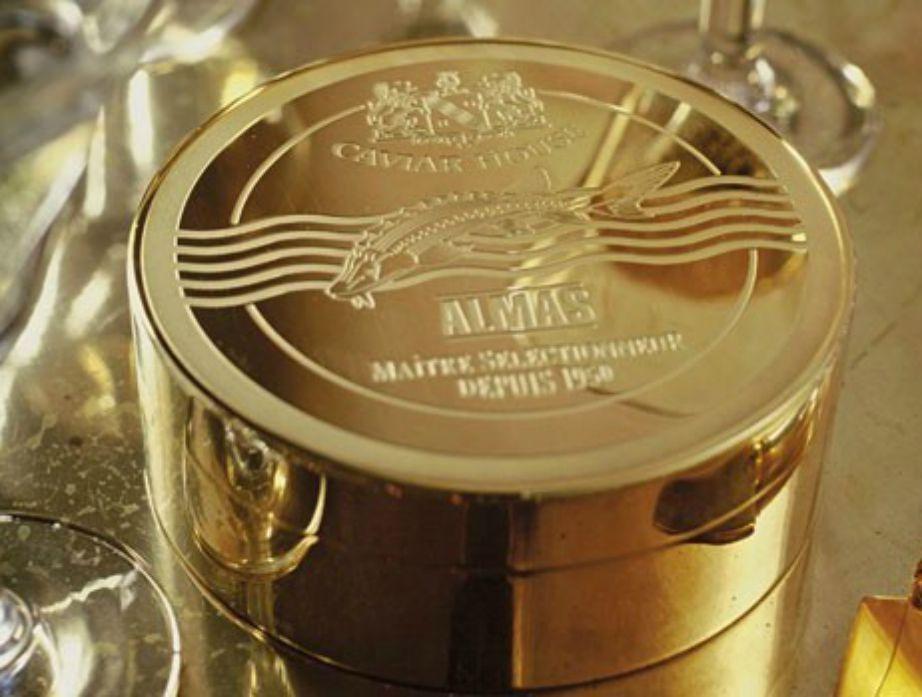 Το χαβιάρι από το Ιράν βρίσκεται μέσα σε δοχείο από χρυσό 24 καρατίων.