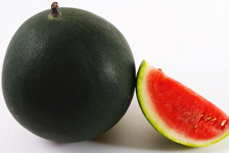 Ένα μαύρο καρπούζι μπορεί να στοιχίσει πάνω από 5.000 ευρώ.